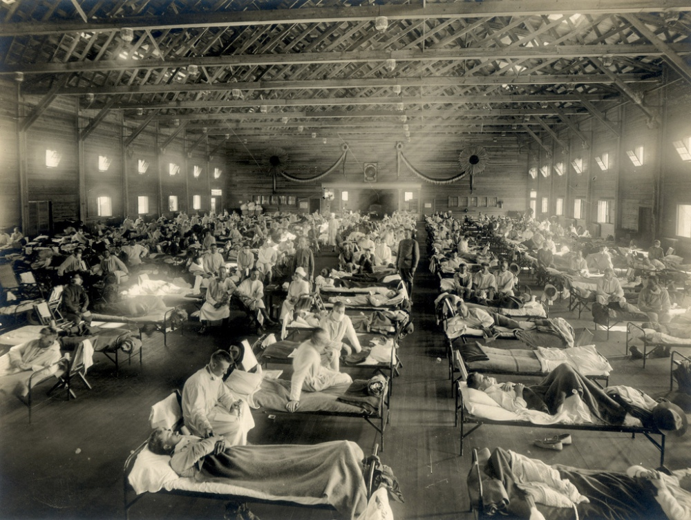 Emergency_hospital_during_Influenza_epidemic,_Camp_Funston,_Kansas_-_NCP_1603